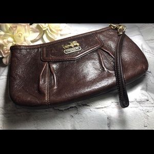 Coach Brown Leather Wristlet 💃💃💃BOGO 50% Off
